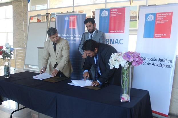 En Antofagasta SERNAC Regional y la Corporación de Asistencia Judicial, CAJTA Firman Convenio para Defender a los Consumidores