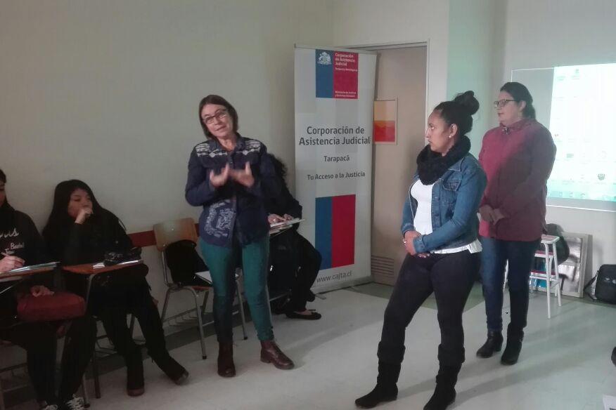 Centro de mediación capacita a alumnos de trabajo social de la Universidad Santo Tomás