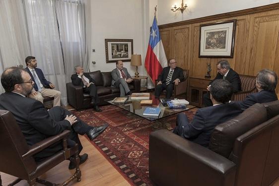 Ministro Jaime Campos con Corte Suprema y Universidad de Chile abordan modernización de Código de Comercio con más de 150 años de historia
