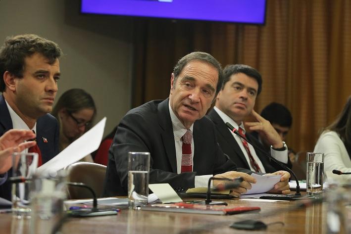 Ministro Hernán Larraín expuso ante comisión de Constitución de la Cámara de Diputados los principales énfasis de su gestión en Justicia y Derechos Humanos