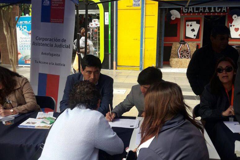 CAJTA organizó una participativa y ciudadana Plaza de Justicia en sector central de Antofagasta