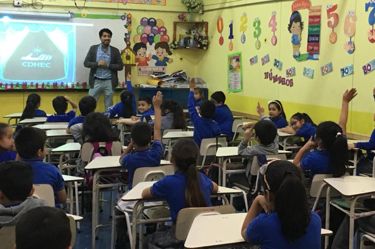 Consultorio Jurídico Tocopilla realizó actividad al colegio Sagrada Familia