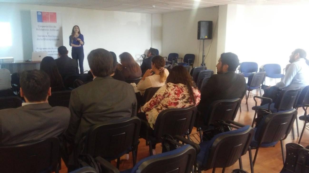 En Arica capacitan a postulantes sobre normativa que aborda Igualdad de Oportunidades e Inclusión Social de Personas con Discapacidad