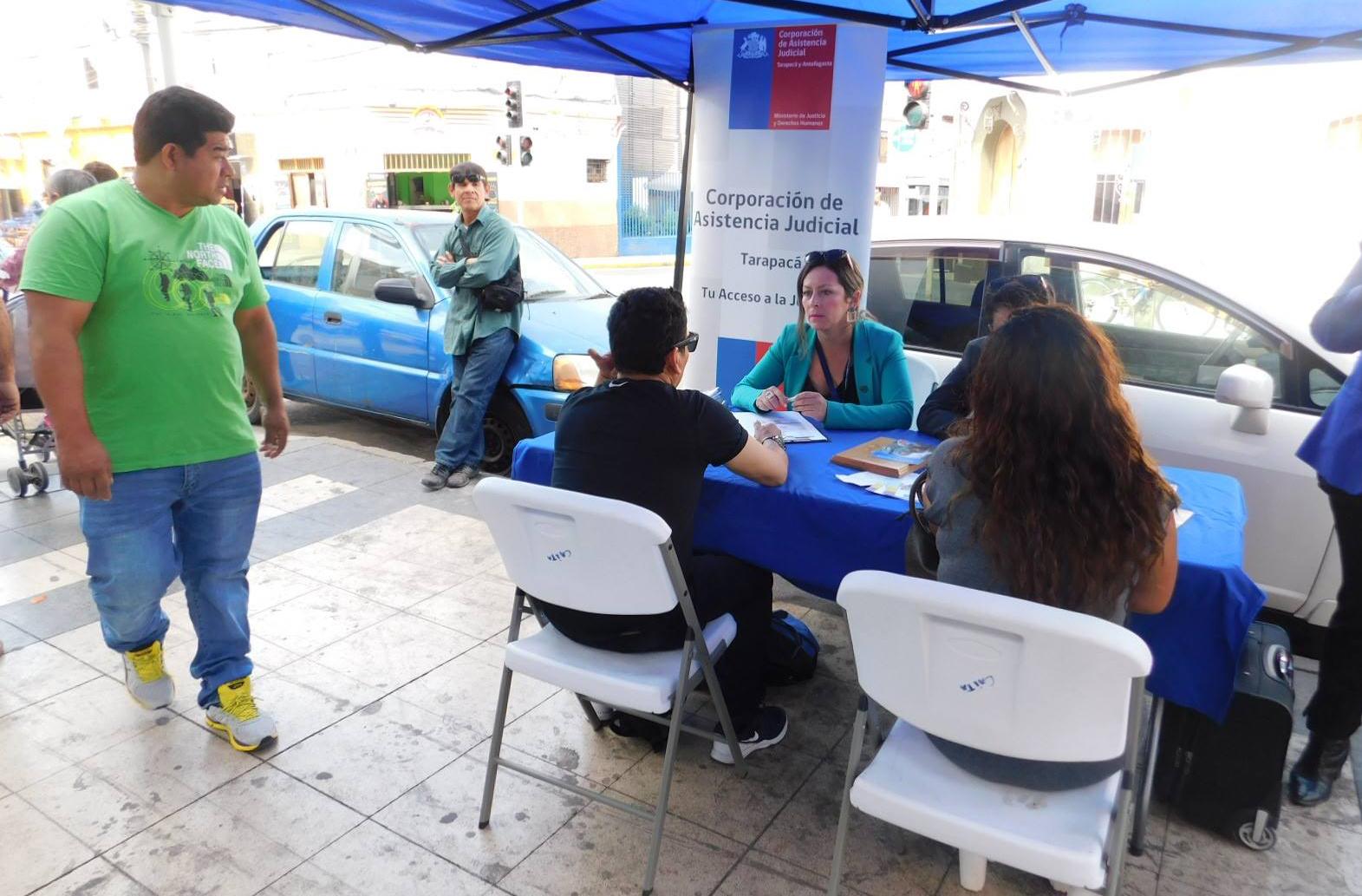 """Campaña """"Conoce los derechos de familia"""" en Iquique"""