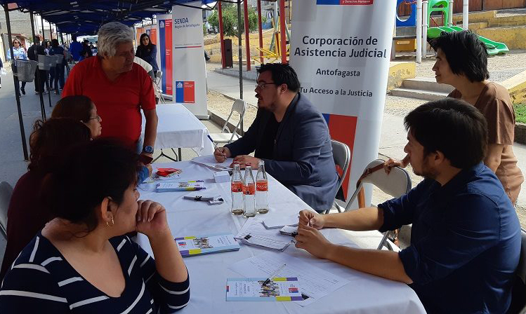 Consultorio Jurídico Antofagasta Norte participa en Plaza Ciudadana en sector Villa los Arenales