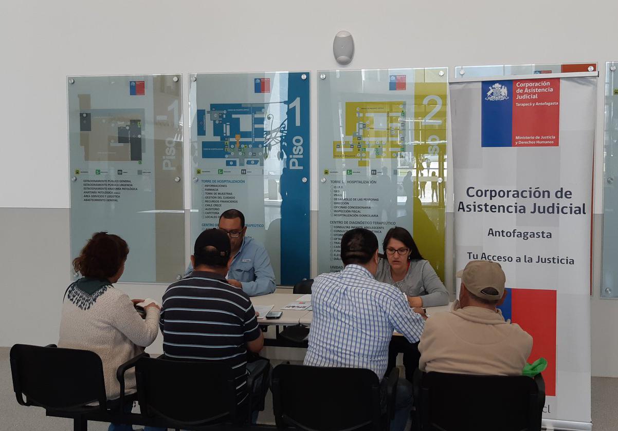 Consultorio Jurídico Antofagasta Norte entrega información en Hospital Regional de Antofagasta