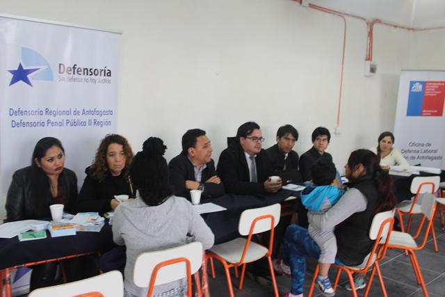 """Antofagasta: Servicios del sector Justicia realizan Operativo """"Justicia Atiende"""" en Campamento Américas Unidas"""