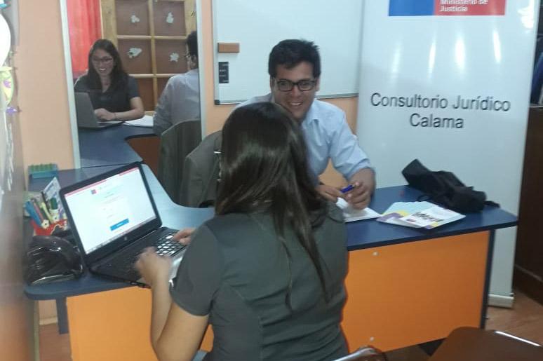 """Consultorio Jurídico de Calama participó en Actividad """"Feria Preventiva de Derechos"""""""