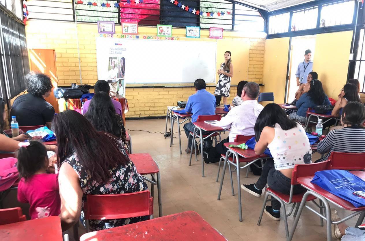 Realizan capacitación sobre discapacidad en Arica a docentes y asistentes de la Educación del Liceo Granaderos