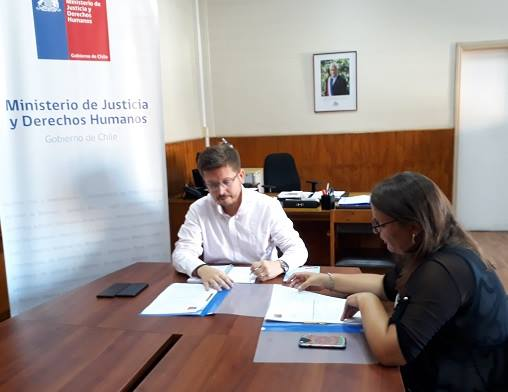 Seremi de Justicia y Derechos Humanos de Tarapacá firma las metas de desempeño 2019 de la CAJTA
