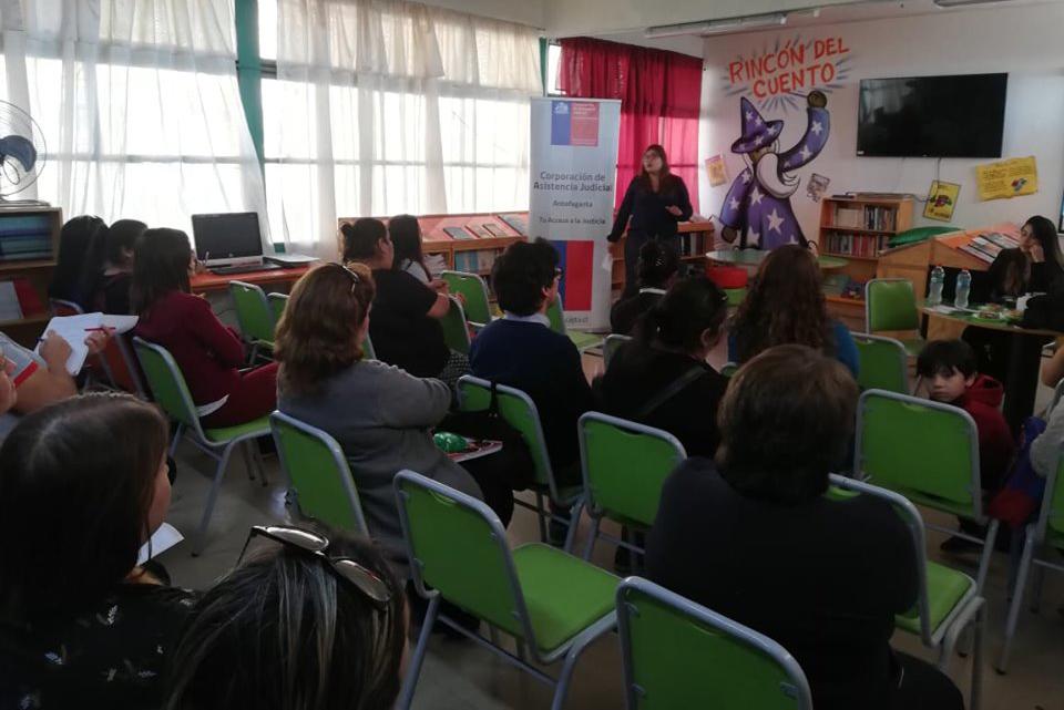 CAJTA participa en charla a padres del Establecimiento Educacional Carlos Condell de la Haza D-7