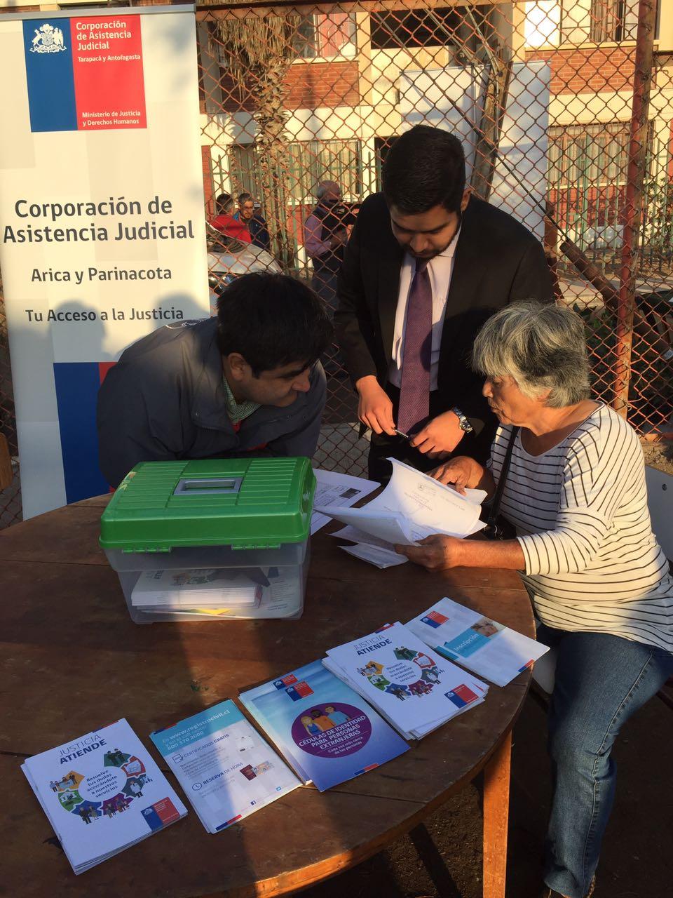 """Consultorio Jurídico Arica participa en operativo social """"Tu Barrio me Importa"""""""